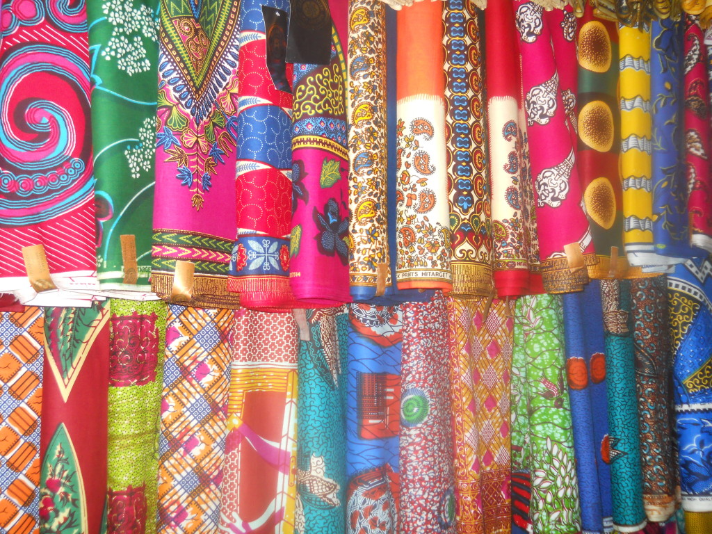 afrikanische_Stoffe_ArtsCenter_Accra_Ghana