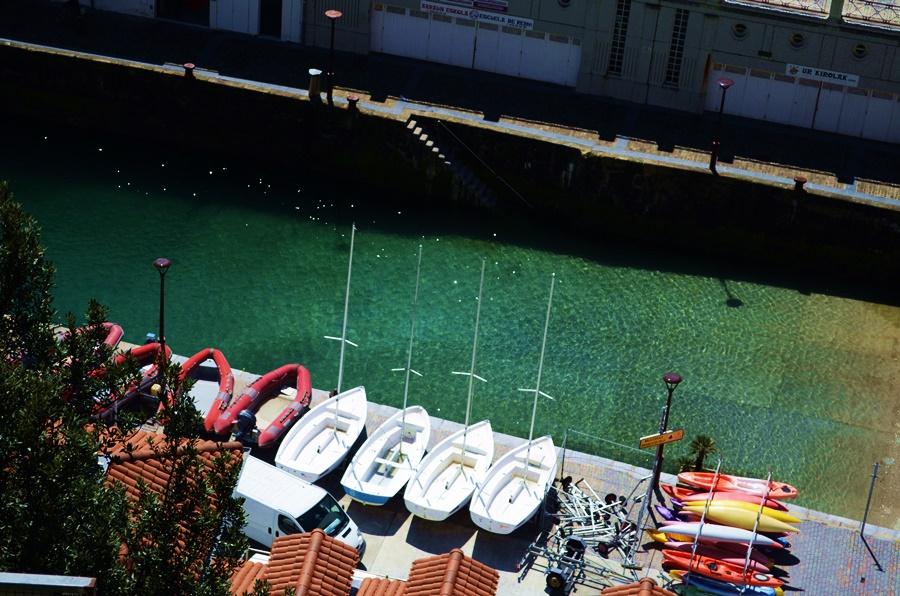 Donostia: Zwei Wochen zu Hause - Bezirzt