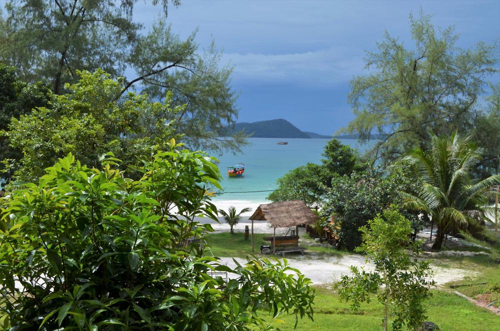 Als würde Feenstaub aus den Fingerspitzen sprühen: Leuchtendes Plankton auf Koh Rong - Bezirzt
